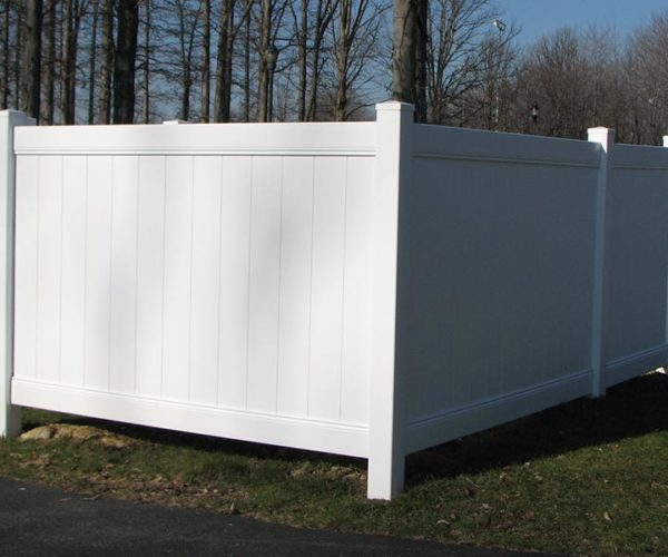 Commercial Vinyl Fence Enclosure