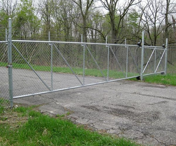 Commercial-chain-link-cantilever-gate