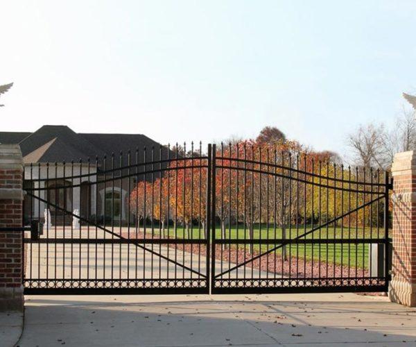 Residential-aluminum-double-swing-gate